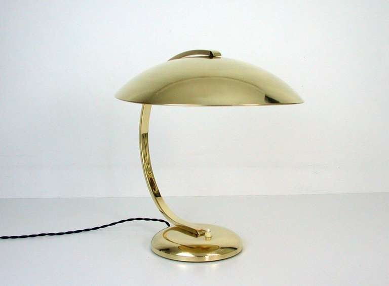 Beautiful large original Hillebrand brass desk lamp, made in Germany, 1930s. Excellent clean and polished condition. Typical streamline design and heavy quality. 