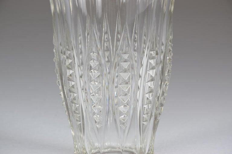 1930s Art Deco Charles Graffart Cut Crystal Vase In Good Condition For Sale In Paris, FR