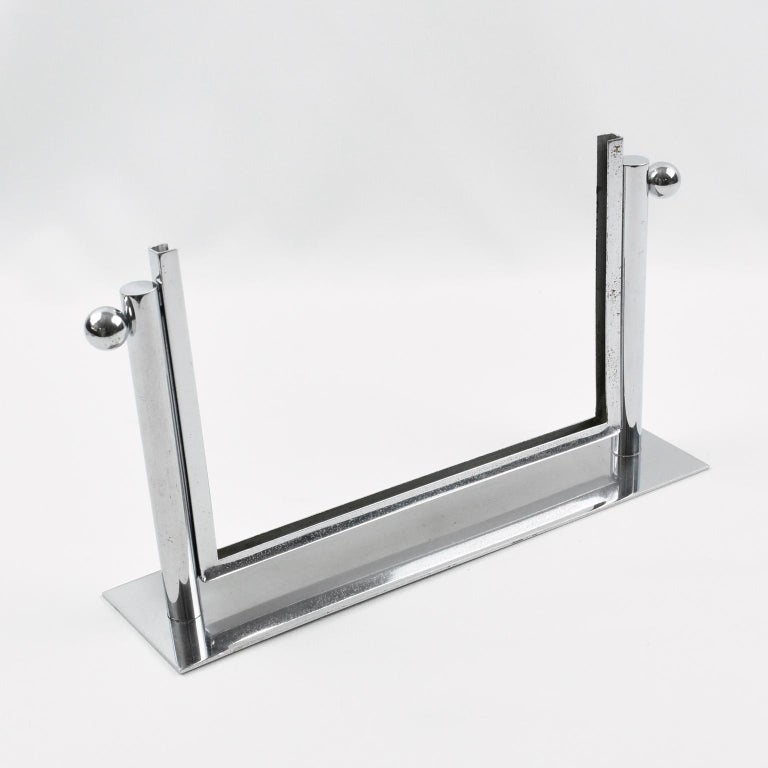 Mid-20th Century 1930s Art Deco Chrome Picture Frame For Sale