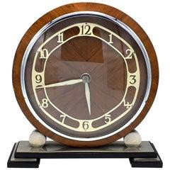 1930er Jahre Art Deco englisches acht Tag Holz, Chrom und Bakelit-Uhr