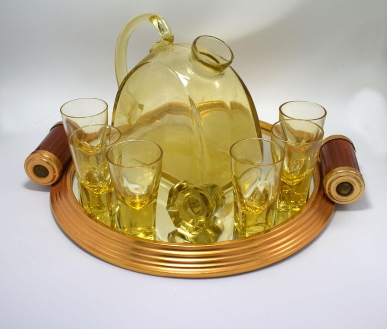 1930s Art Deco Glass Decanter Set with Matching Tray In Good Condition For Sale In Devon, England