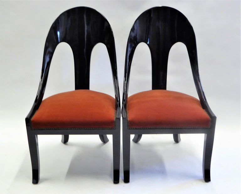 1930s Art Deco Lacquered Spoonback Chairs in Mohair Velvet For Sale 6