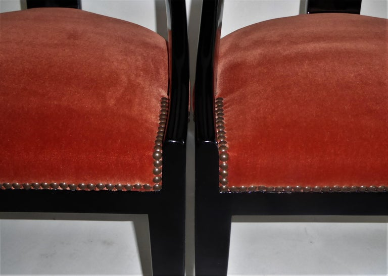 1930s Art Deco Lacquered Spoonback Chairs in Mohair Velvet For Sale 8