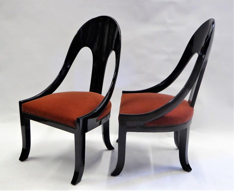 Mid-20th Century 1930s Art Deco Lacquered Spoonback Chairs in Mohair Velvet For Sale