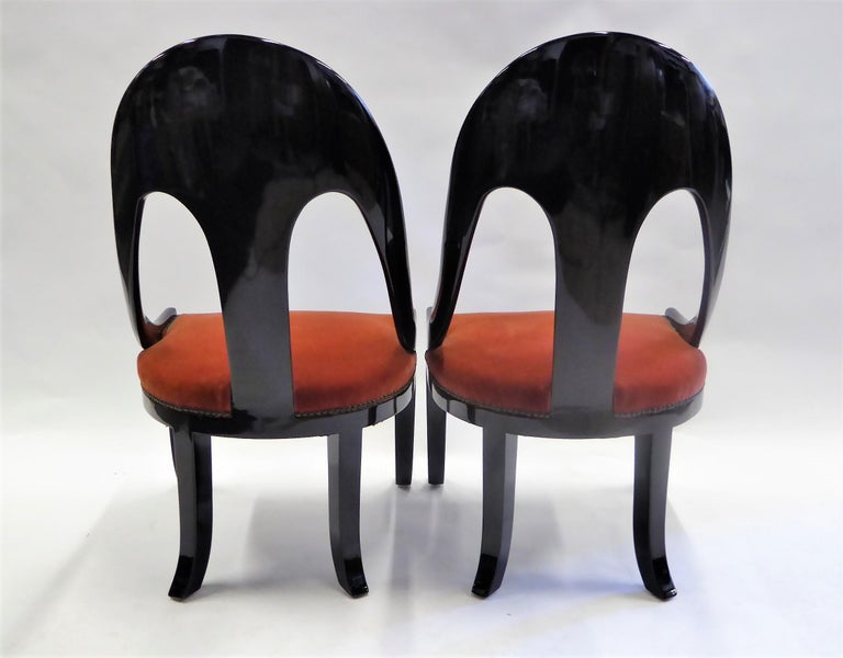 1930s Art Deco Lacquered Spoonback Chairs in Mohair Velvet For Sale 1