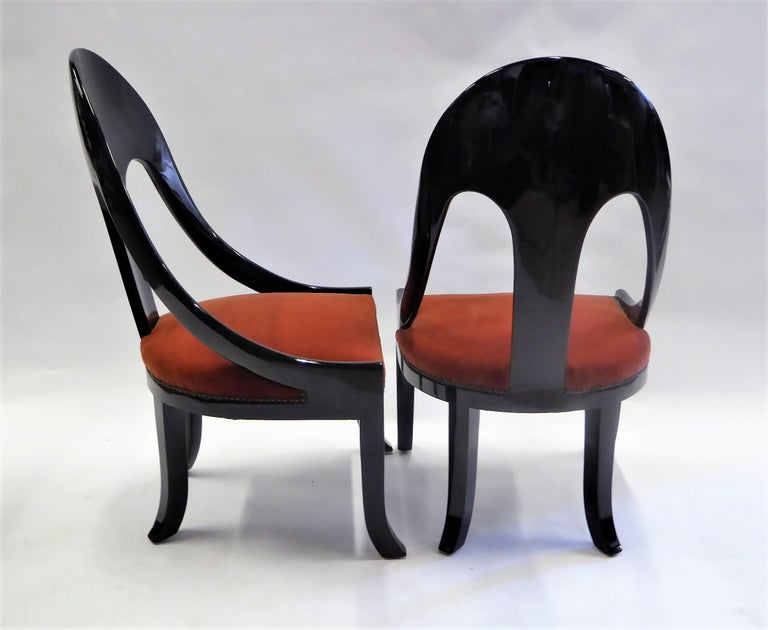 1930s Art Deco Lacquered Spoonback Chairs in Mohair Velvet For Sale 3