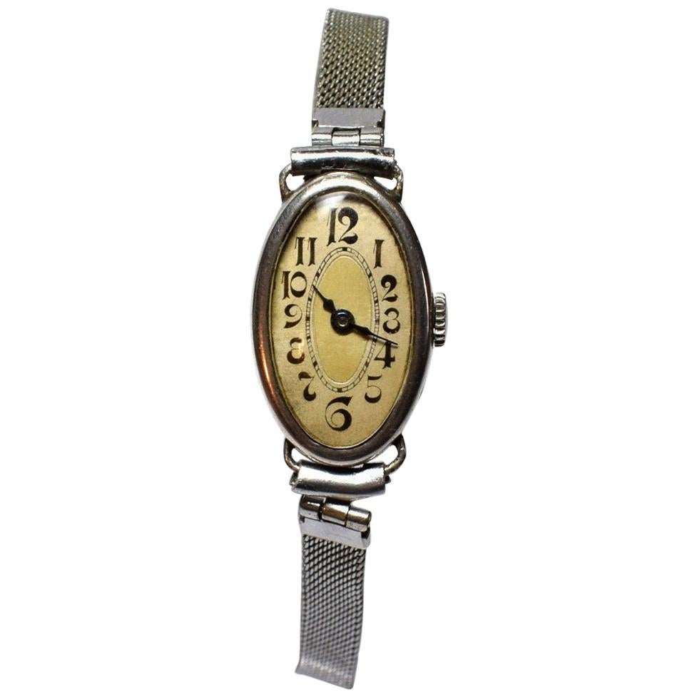 1930s Art Deco Ladies Oval Wrist Watch