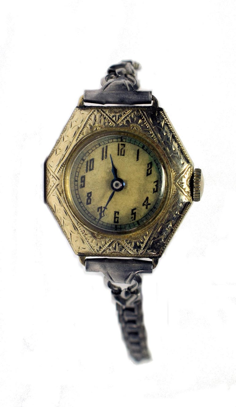 This is a fabulous and totally authentic 1930s Art Deco ladies gold filled wrist watch with a wonderfully detailed engraved case. Condition: Vintage Art Deco in good working condition, with beautiful time patina. The original linked bracelet is in