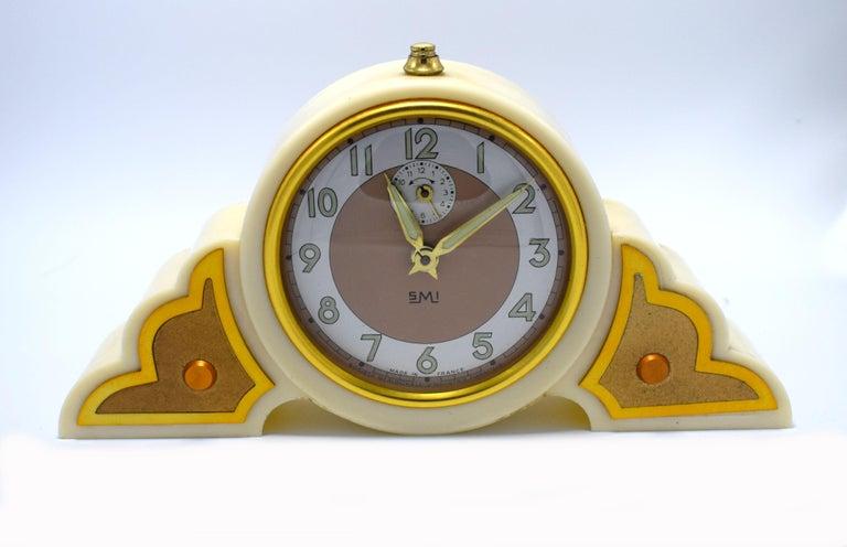 Metal 1930s Art Deco Odeon Cream Bakelite Clock For Sale