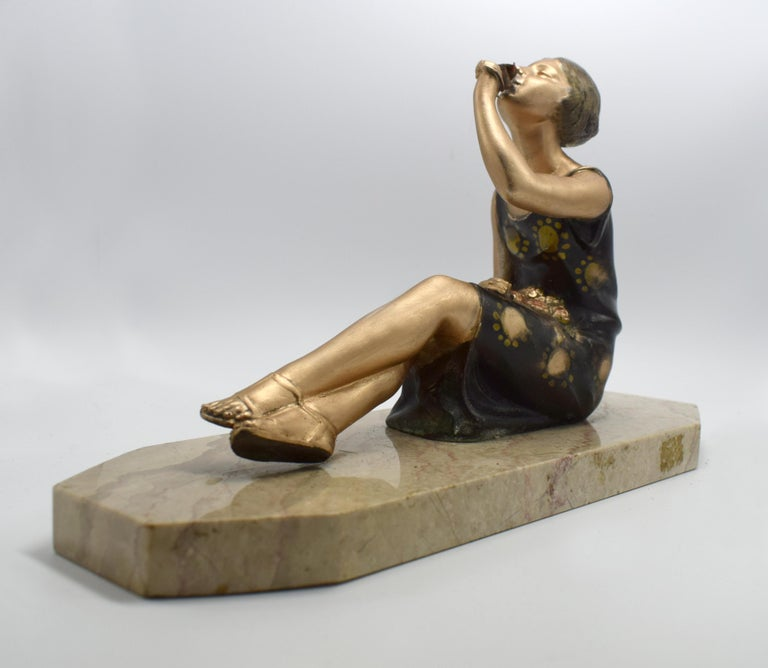 1930s Art Deco Spelter Figure 'Girl with Roses' In Good Condition For Sale In Devon, England