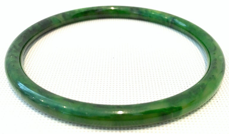 1930'S Bakelite Earrings & Bangle Bracelet Pair Set Of Four Pieces In Good Condition For Sale In West Palm Beach, FL