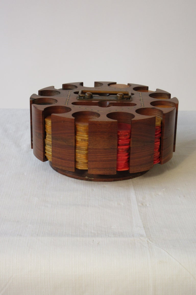 1930s bakelite poker chip set with cover.