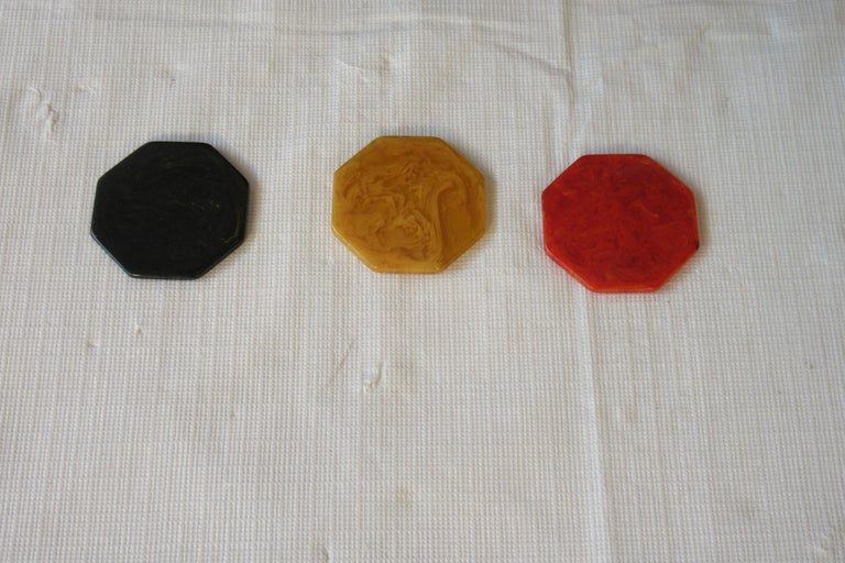 1930s Bakelite Poker Chip Set For Sale 4
