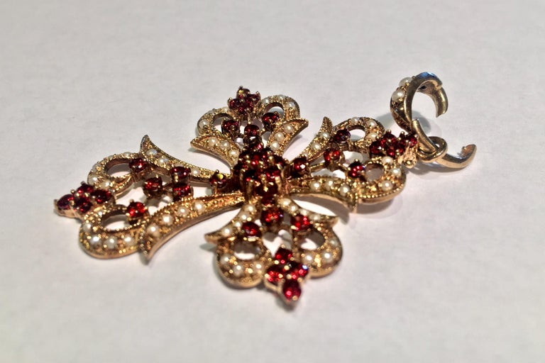 1930s Baroque Garnet and Seed Pearl Yellow Gold Filigree Cross Enhancer Pendant In Excellent Condition For Sale In Tustin, CA