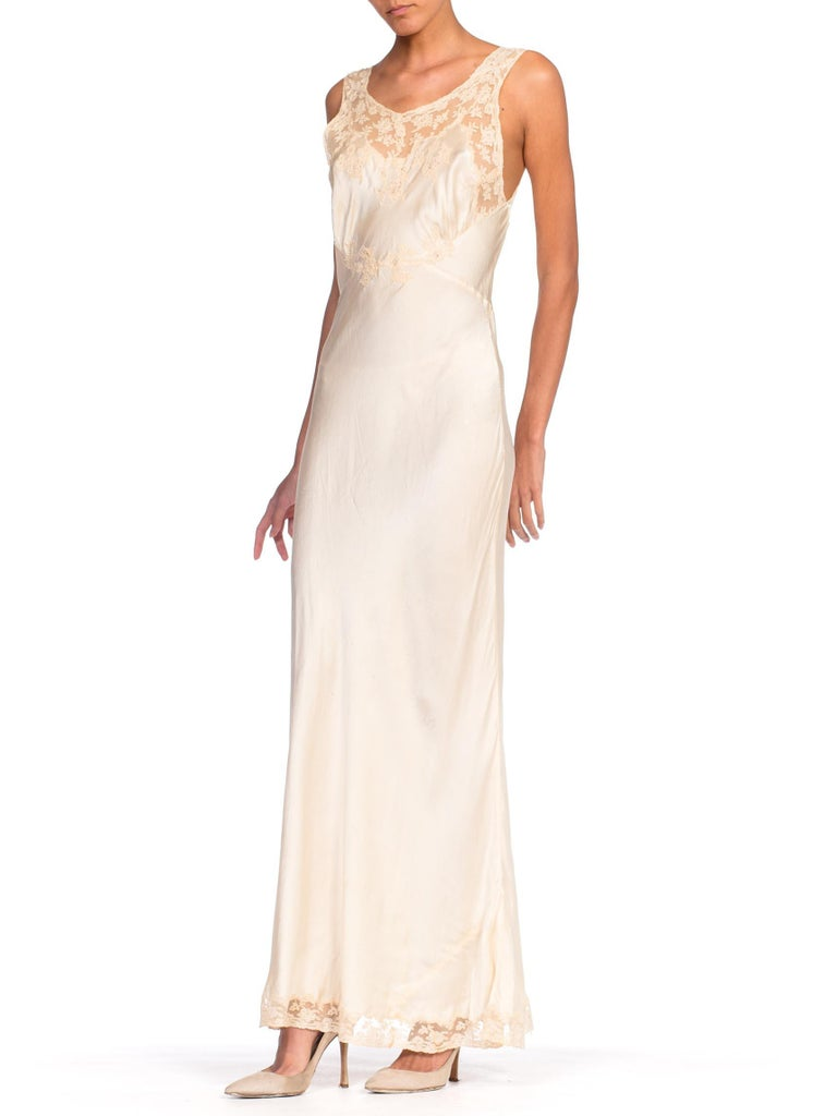 1930S Bias Cut Silk + Lace Negligee Slip Dress In Excellent Condition For Sale In New York, NY