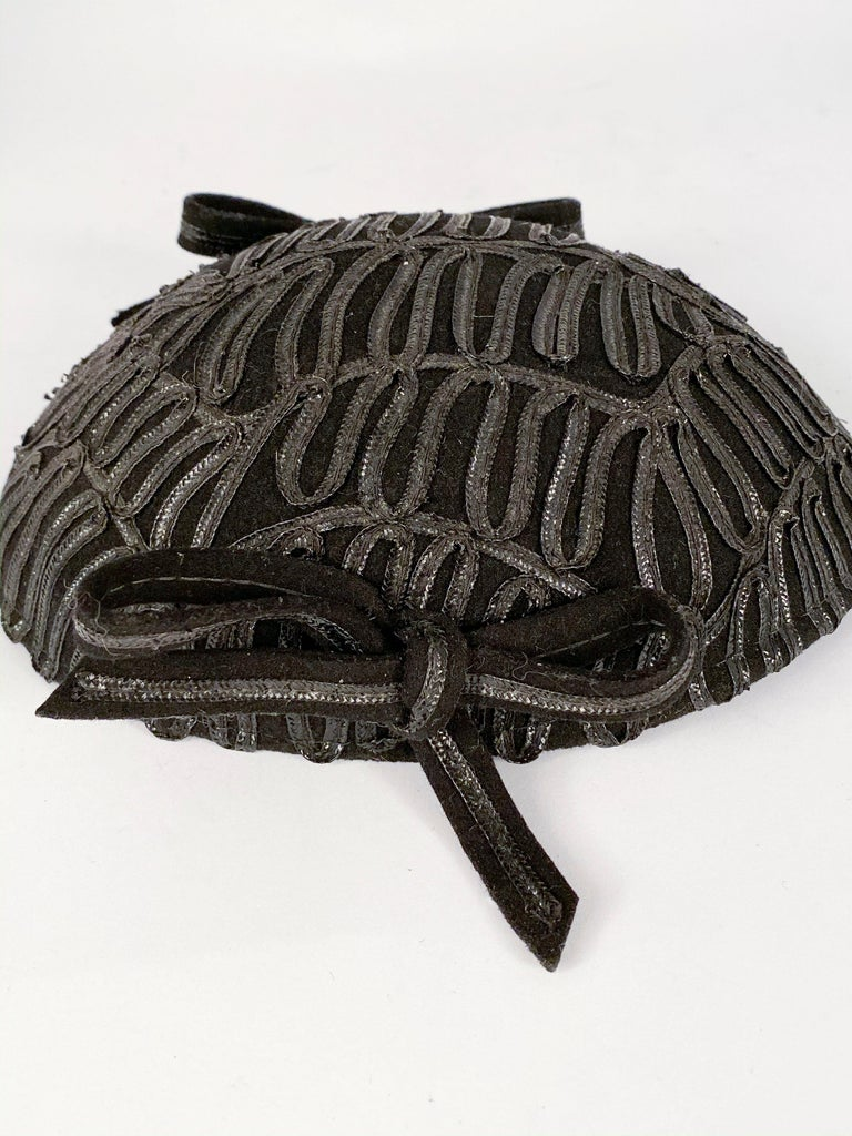 1930s Black Evening Hat With Raffia Decoration For Sale 2