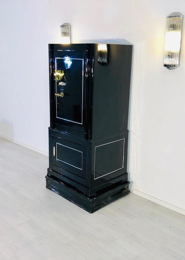 1930s Black Lacquer Safe or Vault, C.A. Streuli, Switzerland 2