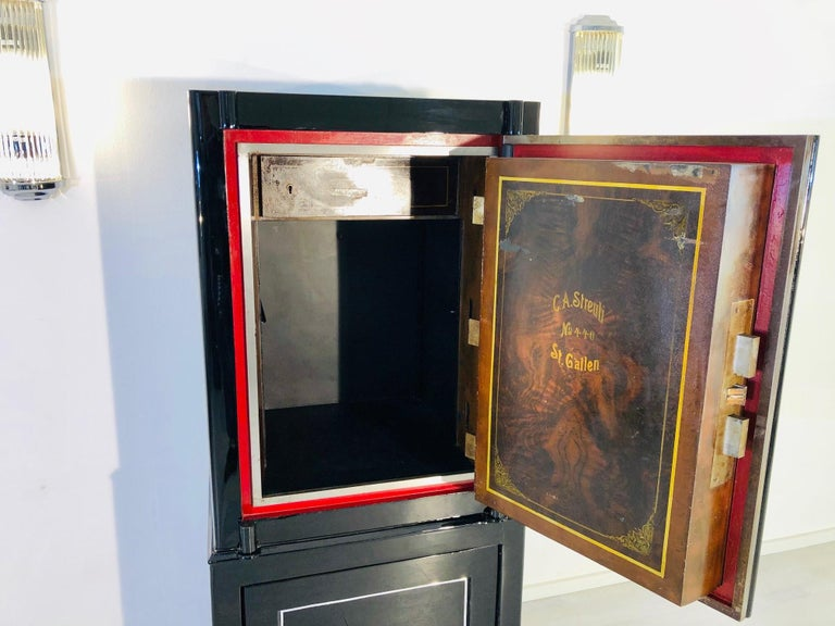 1930s Black Lacquer Safe or Vault, C.A. Streuli, Switzerland 8