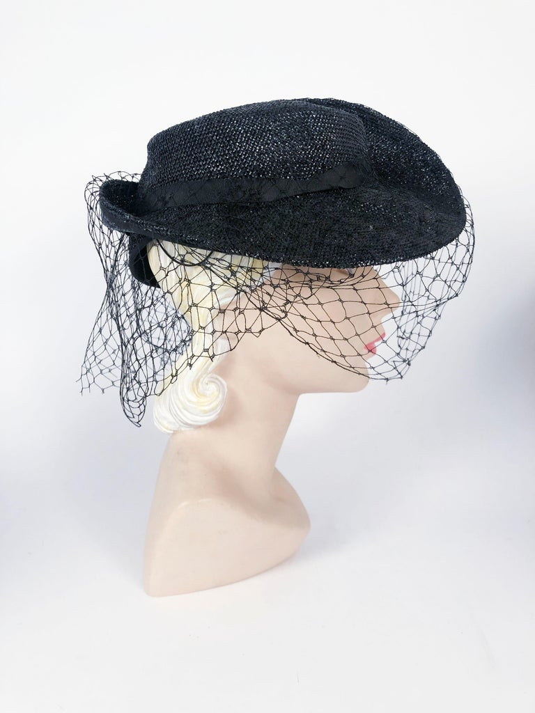 1930s Black Sculpted Straw Hat with Full Veil In Good Condition For Sale In San Francisco, CA