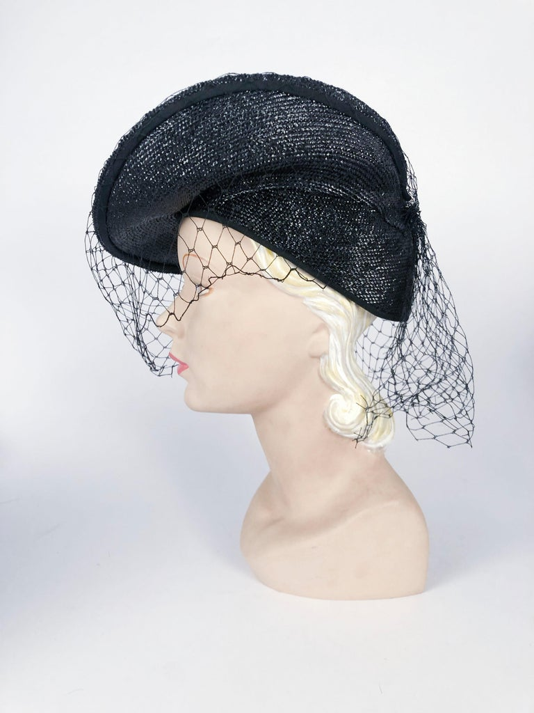 1930s Black Sculpted Straw Hat with Full Veil For Sale 1