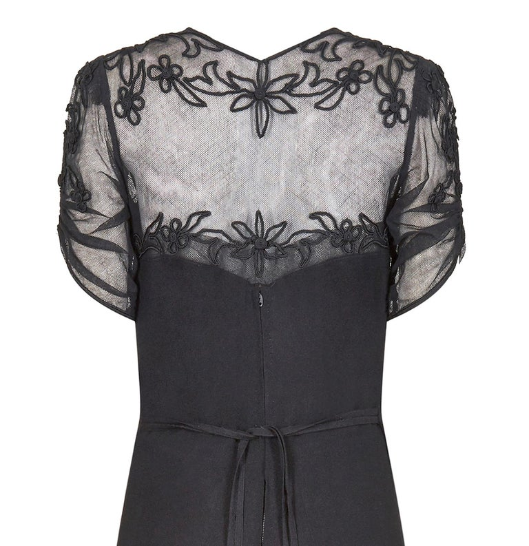 1930s Black Silk Crepe and Net Evening Dress With Floral Appliqué Embellishment For Sale 1