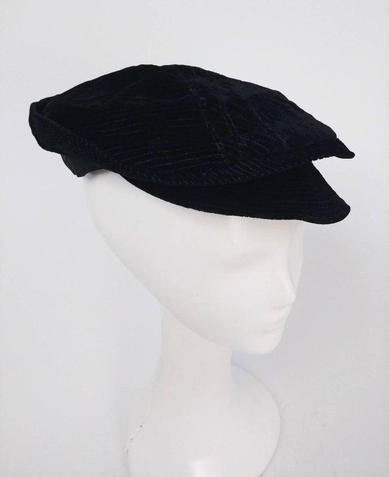 Black Striped Velvet Cap, 1930s  In Good Condition For Sale In San Francisco, CA