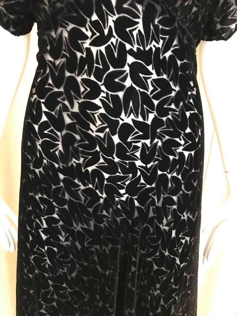 Women's 1930s Black Tulip Motif Velvet Burnout Dress For Sale