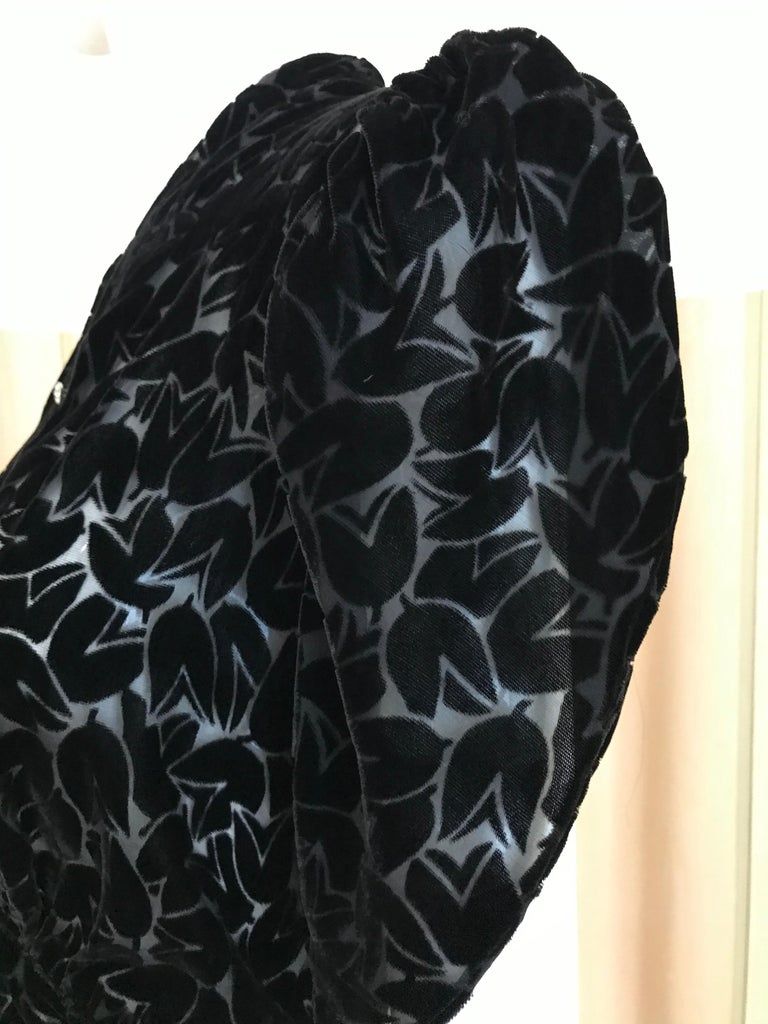 1930s Black Tulip Motif Velvet Burnout Dress For Sale 1