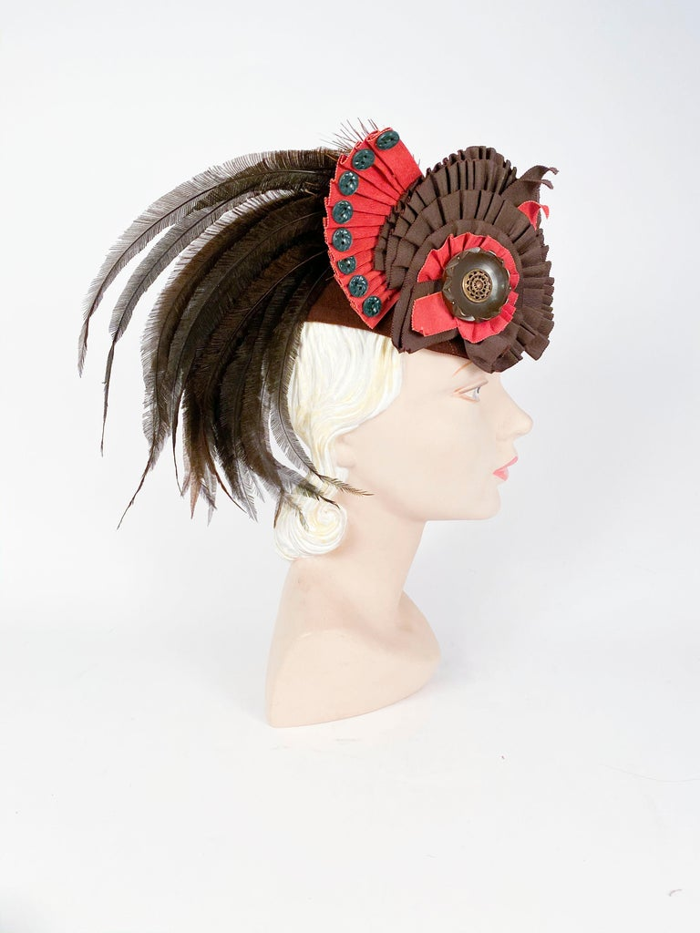 1930's Brown Beaver Fur Felt Hat with Ribbon, Feather, and Button Accent In Good Condition For Sale In San Francisco, CA