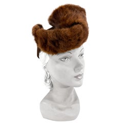 1930s Brown Sculpted Hat with Stone Martin Trim