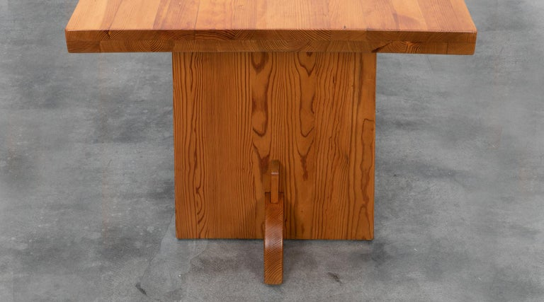 Swedish 1930s Brown Wooden Pine Dining Table by Axel Einar Hjorth For Sale