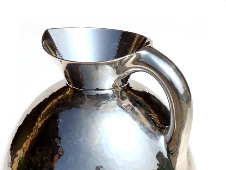 1930s by Eros Genazzi Art Deco Silver Vase In Excellent Condition For Sale In Brescia, IT