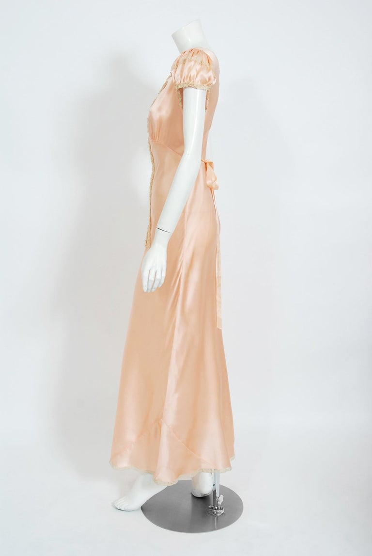 Vintage 1930's Champagne-Pink Silk Lace Puff Sleeve Bias-Cut Slip Night Gown For Sale 3