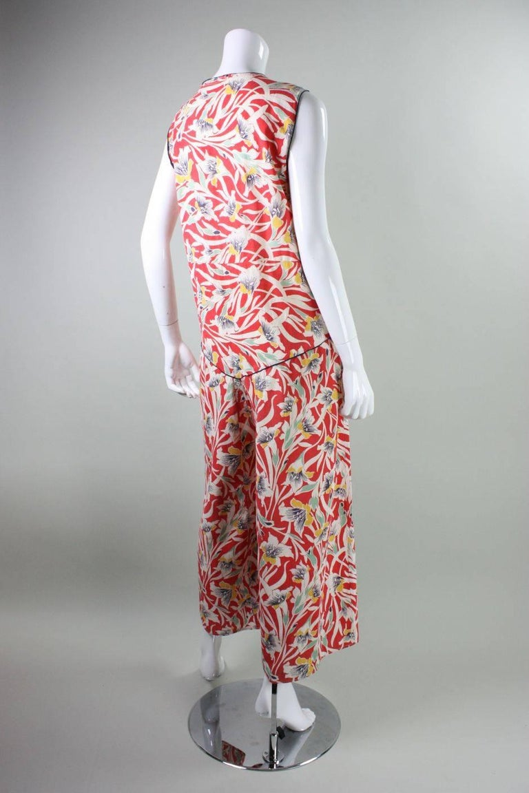 1930's Cotton Beach Pajamas with Art Deco Floral Print In Good Condition For Sale In Los Angeles, CA