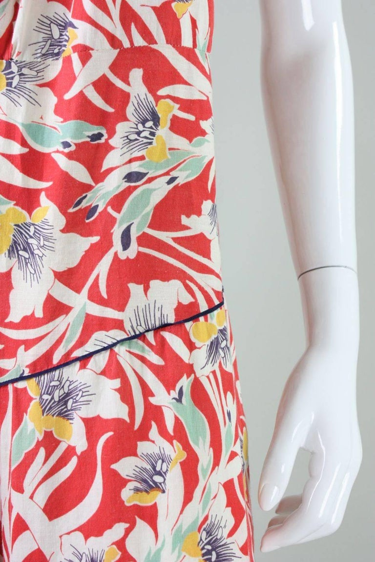 1930's Cotton Beach Pajamas with Art Deco Floral Print For Sale 3
