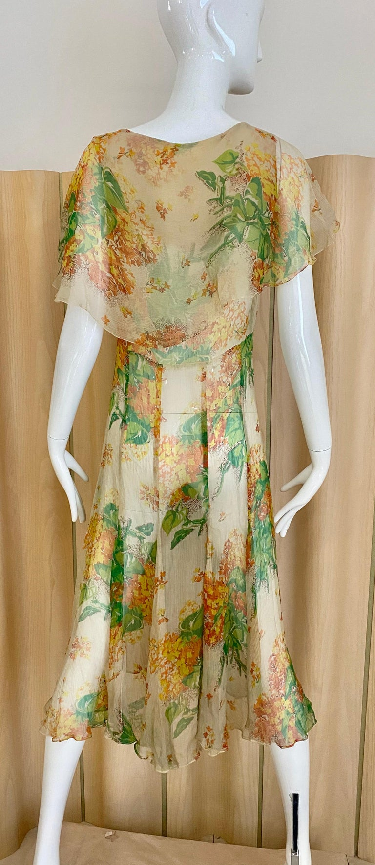 1930s Creme and Green Floral Print Silk Chiffon Day Dress For Sale 1