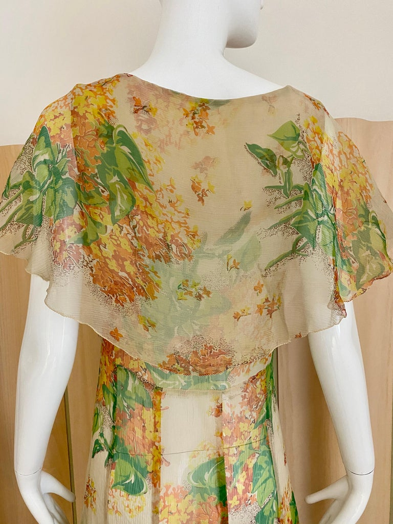 1930s Creme and Green Floral Print Silk Chiffon Day Dress For Sale 2