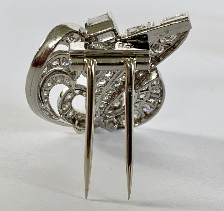 1930s Double Diamond Platinum Clip Brooch In Good Condition For Sale In Zurich, Zollstrasse