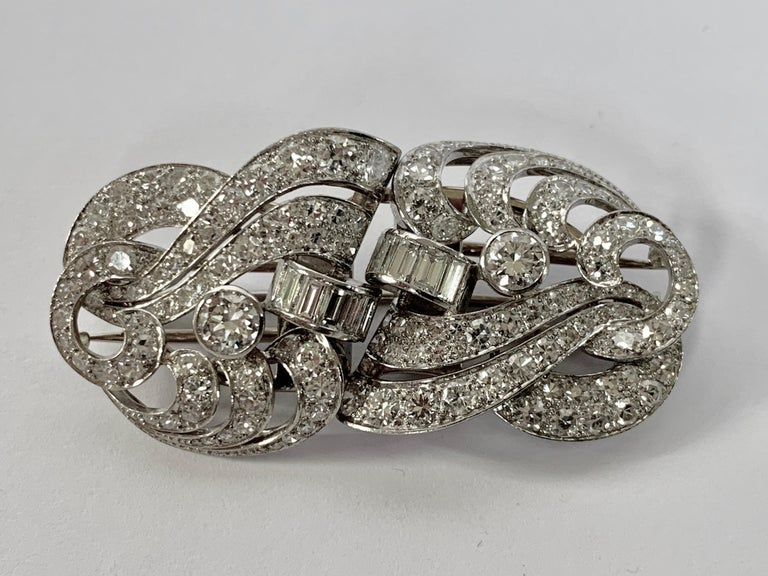 1930s Double Diamond Platinum Clip Brooch For Sale 2