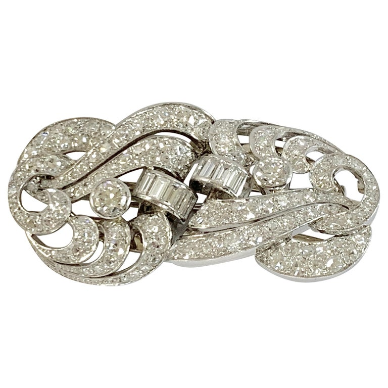 1930s Double Diamond Platinum Clip Brooch For Sale