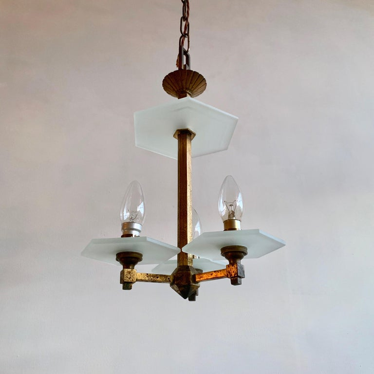 1930s English Art Deco Chandelier In Good Condition For Sale In Stockport, GB