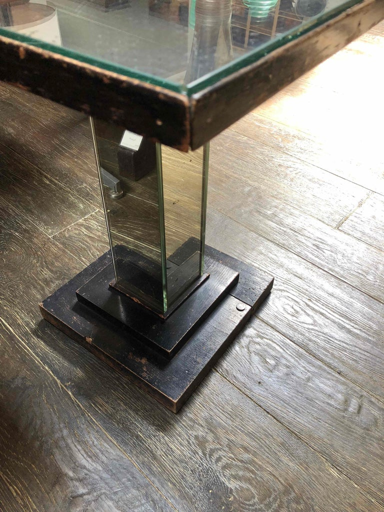 1930s English Art Deco Mirrored Square Side Table  In Good Condition For Sale In Los Angeles, CA