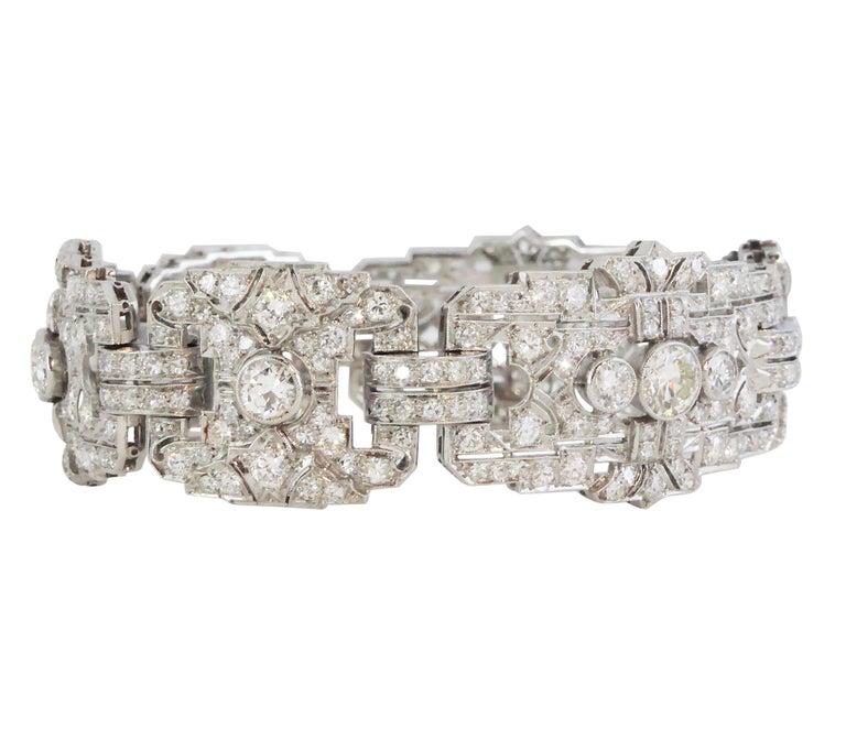 Round Cut 1930s French Art Deco Platinum 10.53 Carat Diamond Bracelet For Sale