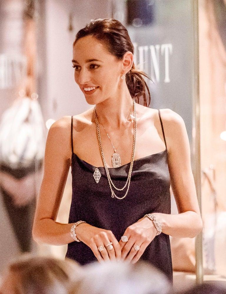 1930s French Art Deco Platinum 10.53 Carat Diamond Bracelet In Excellent Condition For Sale In Brisbane City, Queensland