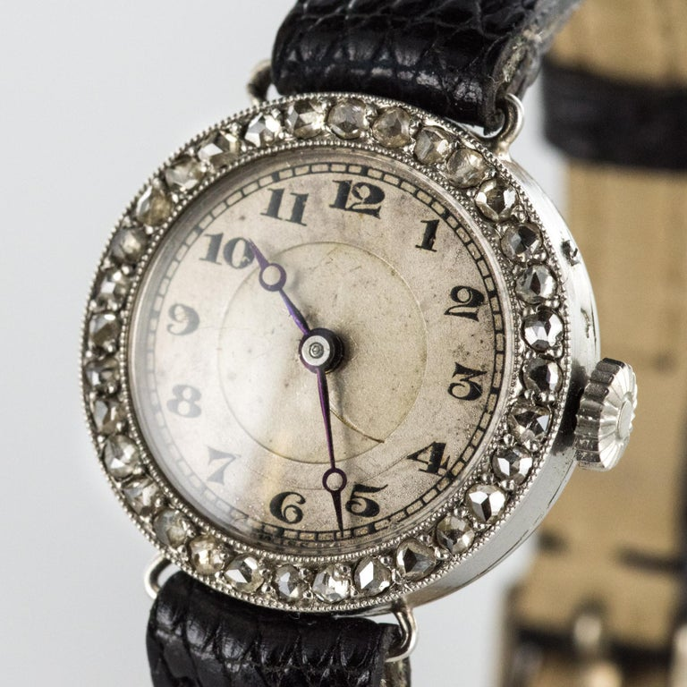1930s Art Deco French Diamond Platinum Mechanical Ladies Watch In Good Condition For Sale In Poitiers, FR