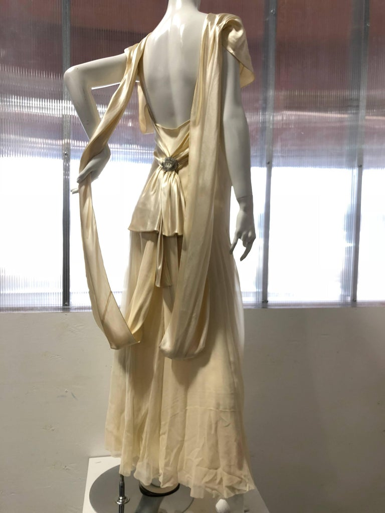 Hattie Carnegie Art Deco Bias Gown in Candlelight Silk Satin and Chiffon, 1930s  For Sale 1