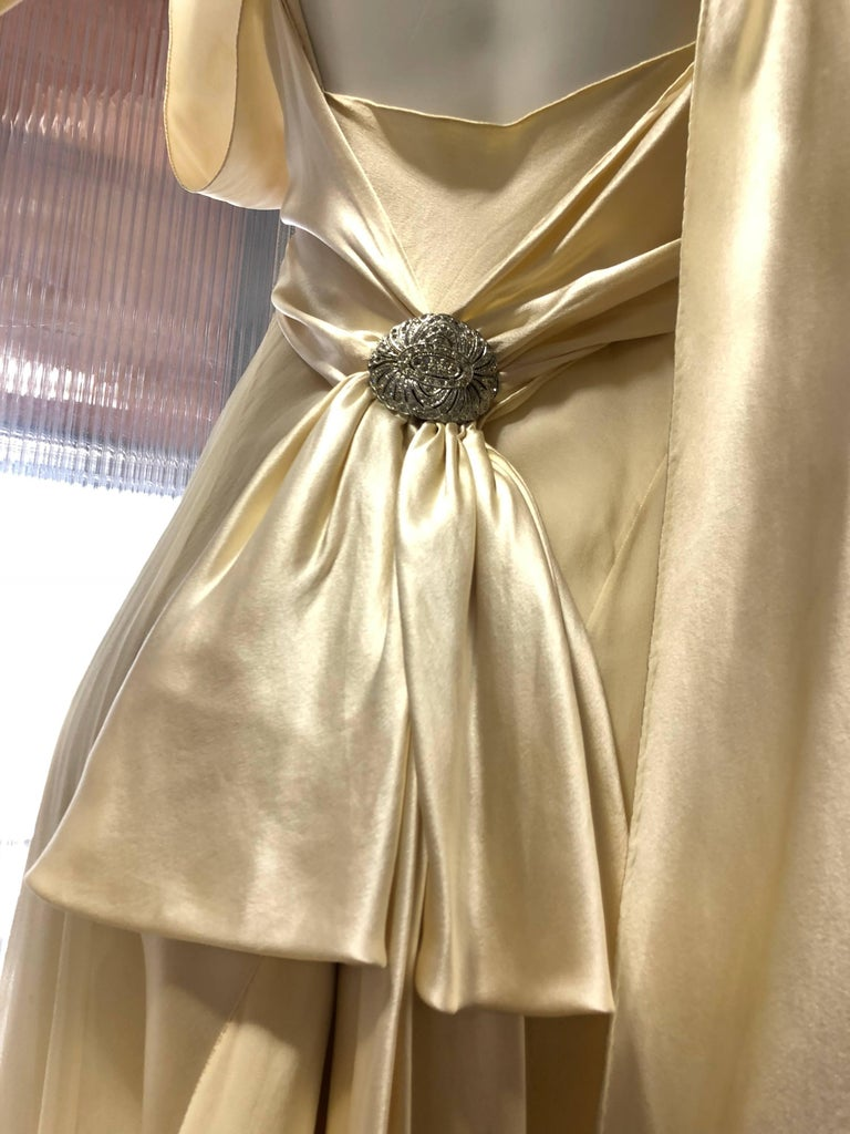 Hattie Carnegie Art Deco Bias Gown in Candlelight Silk Satin and Chiffon, 1930s  For Sale 2