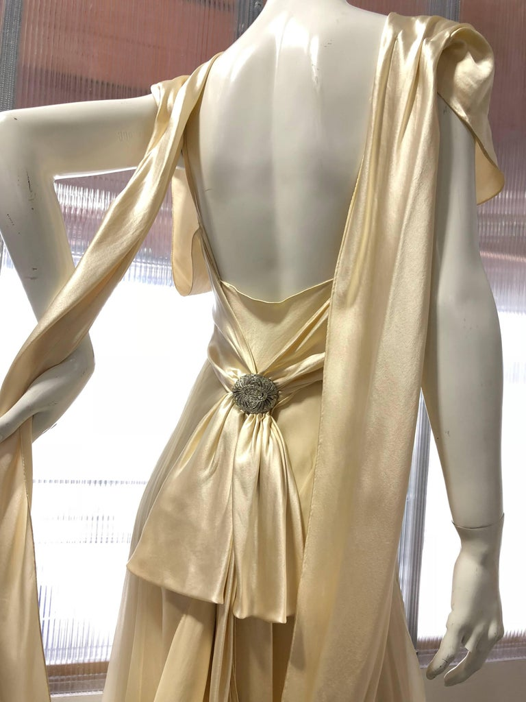 Hattie Carnegie Art Deco Bias Gown in Candlelight Silk Satin and Chiffon, 1930s  For Sale 4