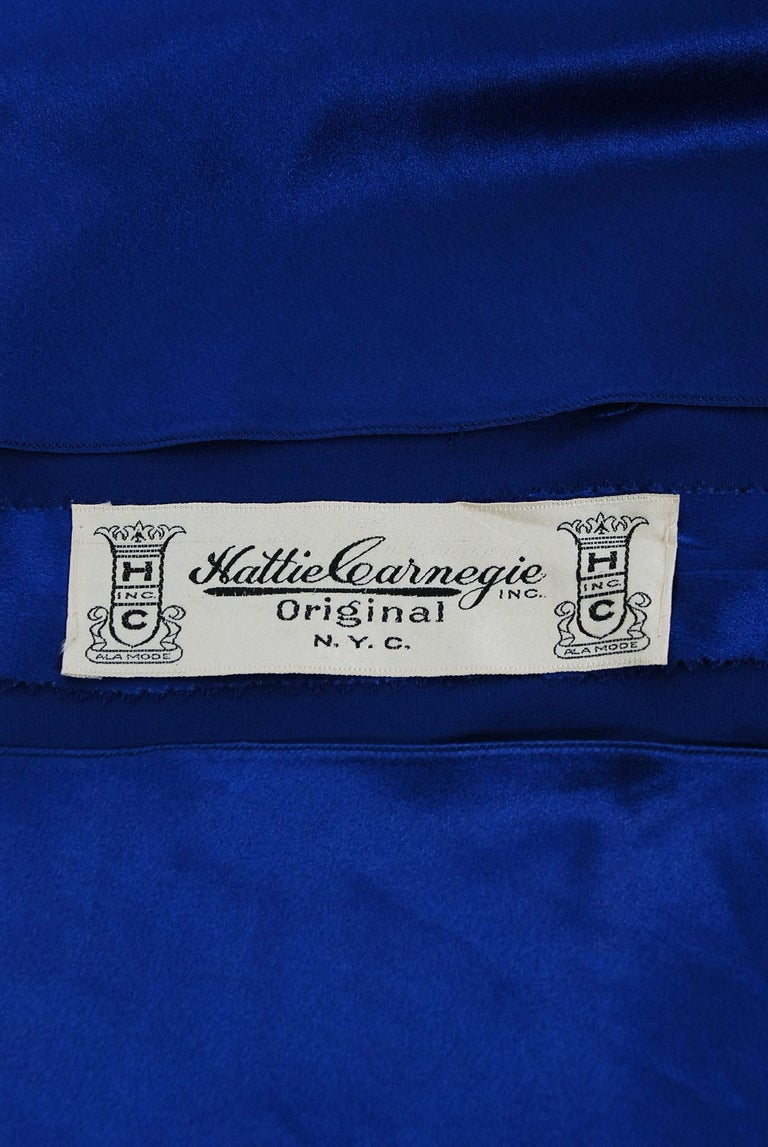 1930's Hattie Carnegie Couture Sapphire-Blue Silk Satin Backless Bias-Cut Gown For Sale 3
