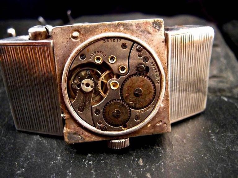Art Deco 1930s Hermès Belt Buckle Golfer's Watch For Sale